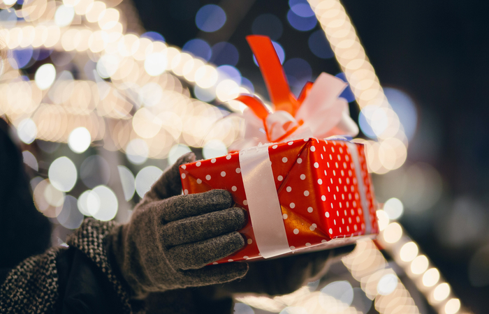 What health and wellbeing support should employers be offering during the festive period?